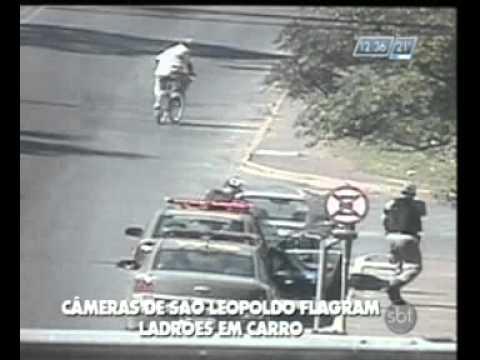 Câmeras de São Leopoldo flagram ladrões em carro