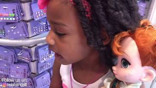 Fidget Spinner Challenge Toy Hunt I Elsa and Anna Toddlers Lost In The Mall