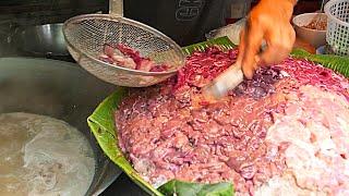 Video Bangkok Street Food - Pork Noodle Soup MP3, 3GP, MP4, WEBM, AVI, FLV Mei 2019