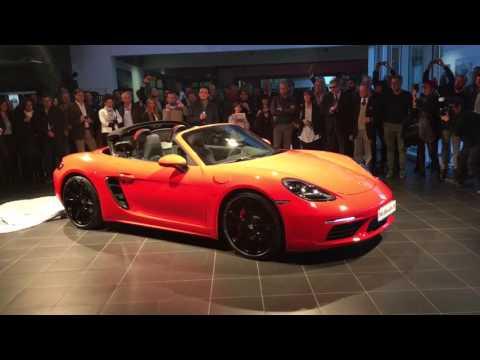 Il rombo della nuova Porsche 718 Boxster