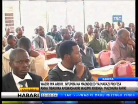 Waziri wa Ardhi, Nyumba na maendeleo ya makazi Profesa Anna Tibaijuka awaasa walimu kujenga mazingira rafiki.
