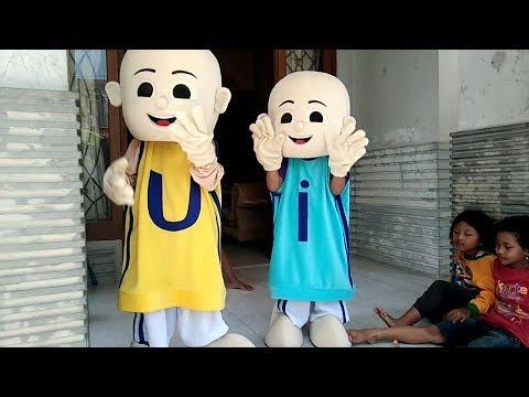 Qyla Menghibur Temannya Nari KUN ANTA Versi Melayu - Dibalik Kostum Badut Upin & Ipin Asik Lucu (видео)