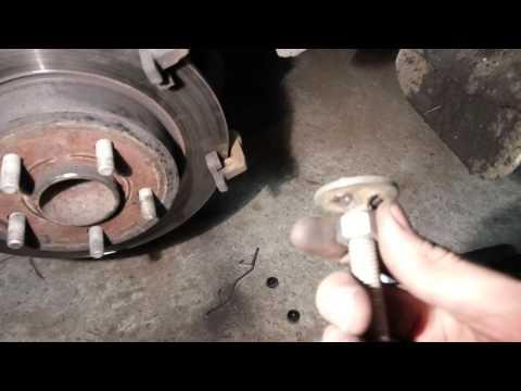 Замена тормозных колодок на форд фокус 3 своими руками 78
