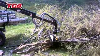 TGB Traktorimönkijä puutöissä