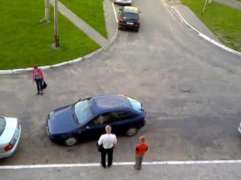"""Нагледен """"урок"""" по паркиране"""