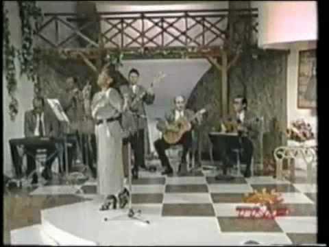 Lucia de La Cruz    Eva Ayllon  y  Bartola - El Ultimo Brindis