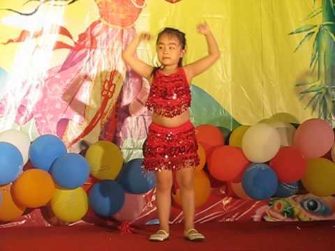 cùng nhảy nào các bạn ơi!! Cáp Kiều Trang_1A8_ trường Nguyễn Siêu nè