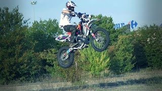 4. Husqvarna WR250 jumping around