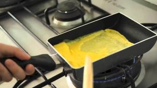 Video Steps to Making Tamagoyaki (Sweetened Japanese Egg Roll) MP3, 3GP, MP4, WEBM, AVI, FLV Januari 2019
