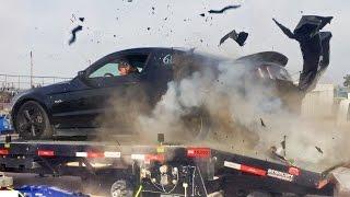 Wybuch opony w Mustangu podczas korzystania z hamowni przy 240 km/h!