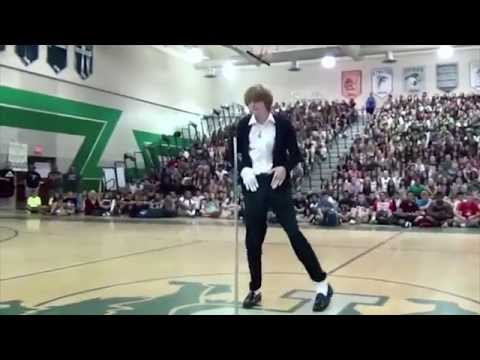Student wins talent show dancing to Michael Jackson's 'Billie Jean'