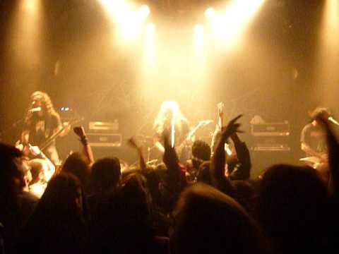 Angelus Apatrida At Le Ferrailleur (Nantes-FR) 15-11-21 : Give Em War