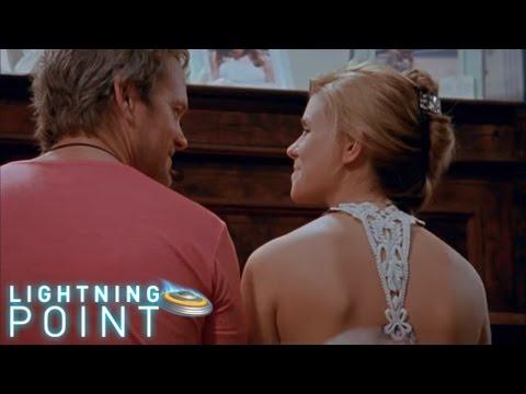 Lightning Point / Alien Surfgirls S1 E16: Family Ties