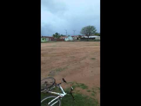 Enchente pega todos de surpresa no distrito de Santa Quitéria BA