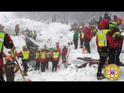 Ιταλία: Στους 24 οι αγνοούμενοι στο ξενοδοχείο που θάφτηκε στο χιόνι
