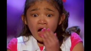 "Video Little Girl ""SHOCKED & Starts to CRY"" after She Gets... 