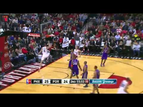 Batum to Meyers Leonard for dunk against the Suns