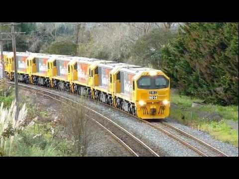 New KiwiRail DL Locomotives Delivery Run - Drury