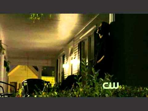 The Vampire Diaries Stefan looking out for Elena 1x06