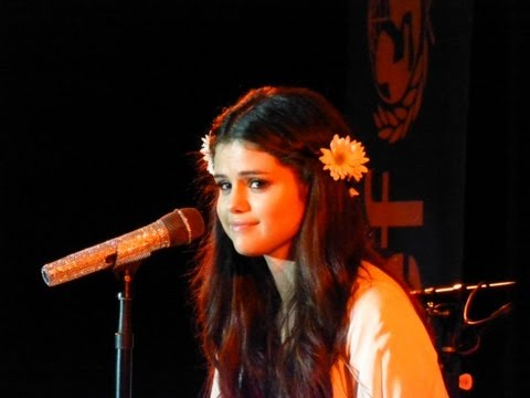 "Selena Gomez Sings ""Who Says"" @ Best Buy Theater NYC 2013"
