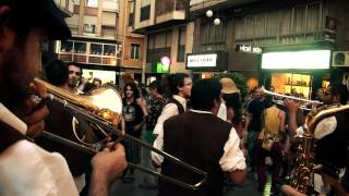 di naie chuppe- elx al carrer 2011