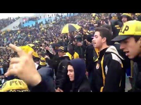 La hinchada de Peñarol en la previa del clásico| Clausura 2016. - Barra Amsterdam - Peñarol