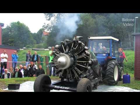 Chiếc máy cày có động cơ mạnh nhất thế giới