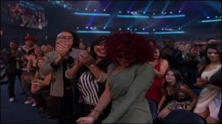 Rihanna Wins Favorite Soul/R&B Female Artist Award - AMA 2010