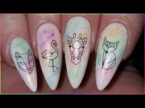 Uñas decoradas - Uñas Acrilicas Blancas Decoradas Con Animales Geometricos