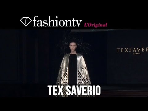 Fashion TV - http://www.FashionTV.com/videos PARIS - FashionTV is sitting in the front row of the Tex Saverio Fall/Winter 2014-15 show during Paris Fashion Week. Tex Save...