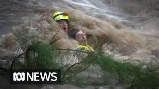 Video Teen rescued from Rockhampton floodwaters MP3, 3GP, MP4, WEBM, AVI, FLV Februari 2019