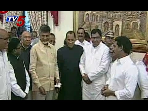 Chandrababu,Jagan Attends Governors Iftar Dinner : TV5 News