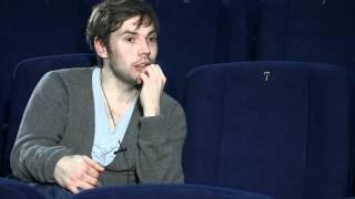 Nonton Hulluna Saraan  Elokuvan Pressihaastattelu Film Subtitle Indonesia Streaming Movie Download