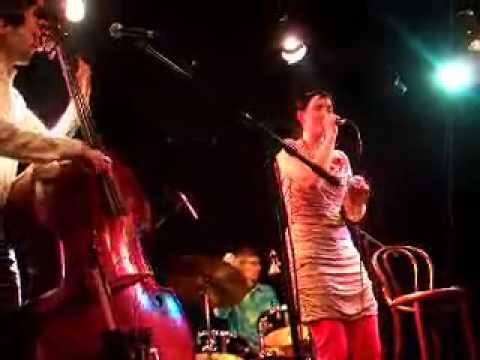 Martina Trchová Trio - Balkónové blues