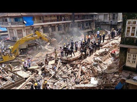 Ινδία: Κατέρρευσε πενταόροφη πολυκατοικία στη Βομβάη