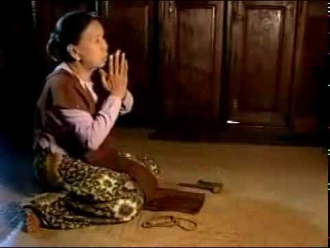 အေမ့ေၾကးစည္သံ = Sound of Mother's Triangular Gong _ ဆို- ေဇယ်ာႏိုင္:  Zay Yar Naing composed on the tuneful sound of his mother's triangular brass gong, expressing the Metta for all beings. The song is sung by himself; written by Zay Yar Naing and Naing Thu. Credit to  Nwe Win.