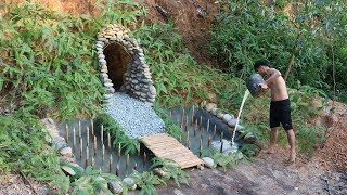 Video Unbelievable! Build The Underground Stone Cave In The Cliff To Avoid Wildlife MP3, 3GP, MP4, WEBM, AVI, FLV Januari 2019