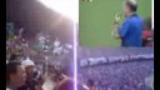 Locutor Vascaino narra o jogo de Flamengo e Vasco pela final do Camp.Estadual Carioca de 2001, onde as torcidades de...