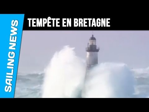 Bretagne - Tempête d'hiver sur la pointe de Bretagne - des très belles images signées Jean René Keruzoé. Heavy weather during winter strorms.