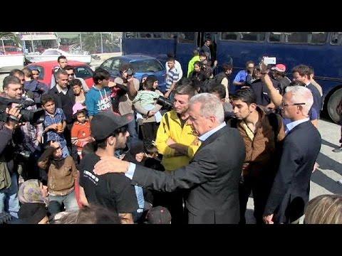 Λέσβος: Το πρώτο κέντρο υποδοχής μεταναστών και προσφύγων επισκέφτηκαν Αβραμόπουλος και Άσελμπορν