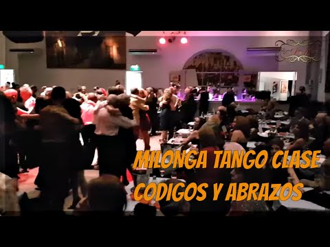 Un codigo de la milonga, el abrazo y los cuerpos. La Milonguita, milonga de Buenos Aires