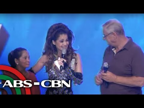 It's Showtime: Anne Curtis moved to tears as mom, dad reunite