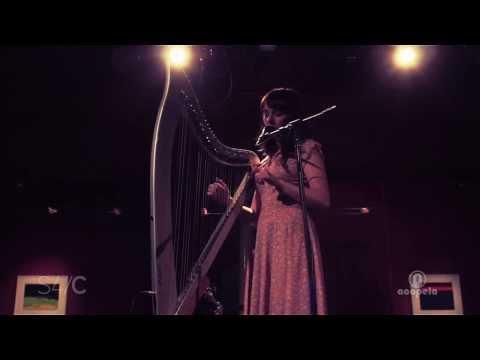 Georgia Ruth – Adar Man y Mynydd (Live at Acapela Studio)