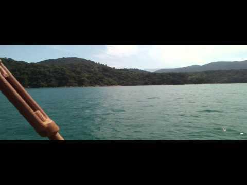 Passeio de Escuna Mar Azul em Ubatuba