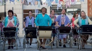 Nonton Mark Kermode Reviews Mrs  Brown S Boys D Movie Film Subtitle Indonesia Streaming Movie Download