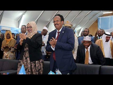 Για κατά μέτωπον επίθεση στους ισλαμιστές δεσμεύτηκε ο νέος πρόεδρος