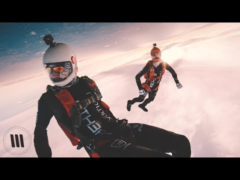 SUNSET FREE FALL / Skydiving with a RED – Huikee video!