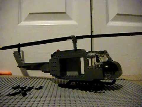 Lego Brickmania UH-1H Huey Review (With Brickarms M60 Prototype)