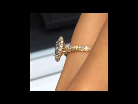 1 carat Oval Halo Diamond Engagement Ring