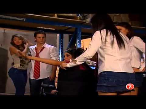 Video Diego se enoja con Roberta al ver a Paola amarrada download in MP3, 3GP, MP4, WEBM, AVI, FLV February 2017